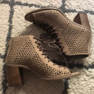 Size 7 Taupe Vince Camuto Booties/Sandals